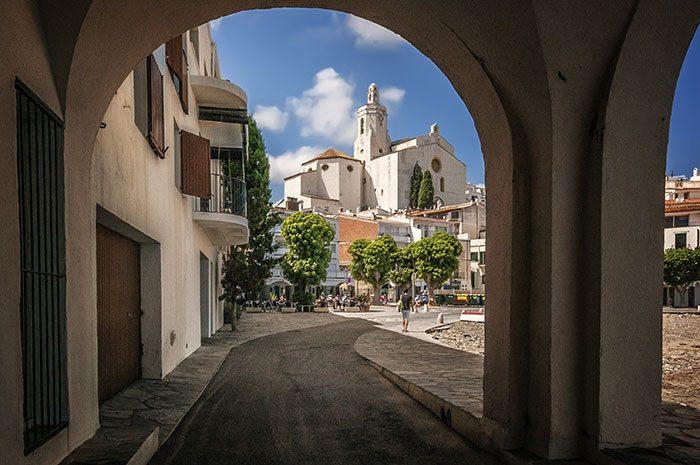 Город Кадакес рядом с Барселоной