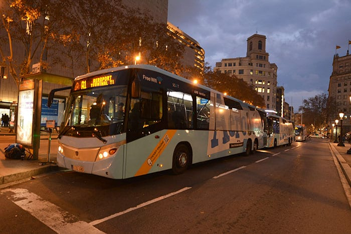 Как добраться из Барселоны в аэропорт на автобусе Aerobus