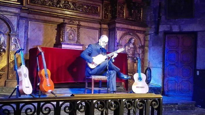 Фламенко в Барселоне в Базилике Санта Мария дель Пи