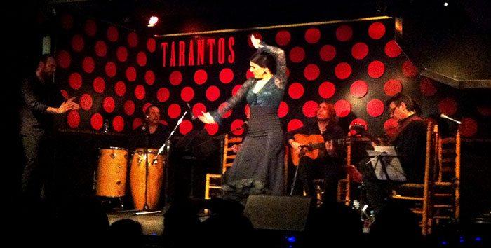 Фламенко в Барселоне в зале Tarantos