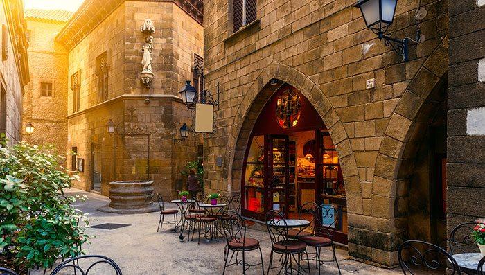 Старый город - самая колоритная часть Барселоны