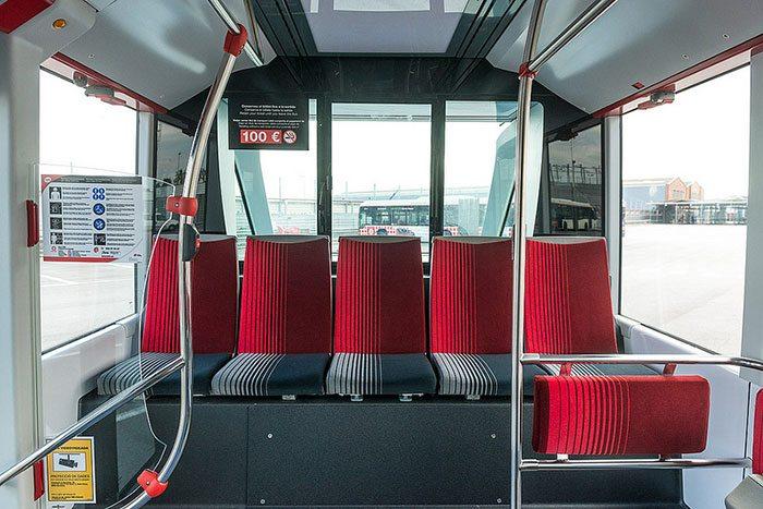 Автобусы в Барселоне: вход-выход