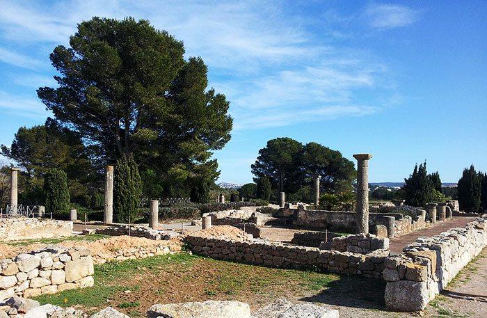 Эмпорион - древнегреческий городок