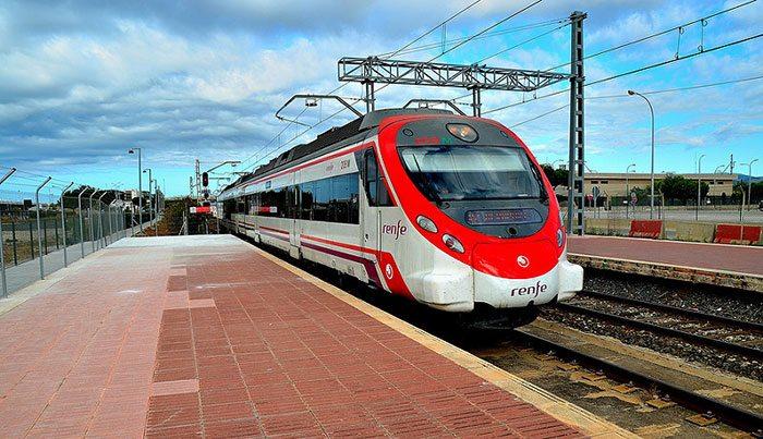 Как доехать из аэропорта Барселоны в центр города на поезде