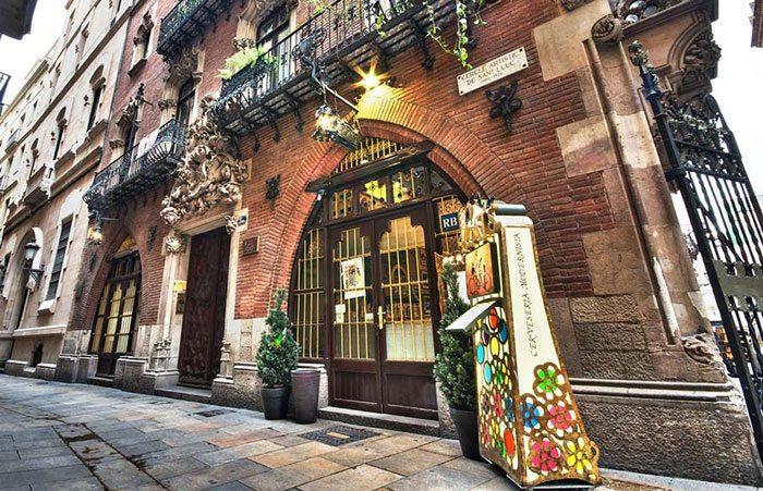 4 gats - По следам Пикассо в Барселоне