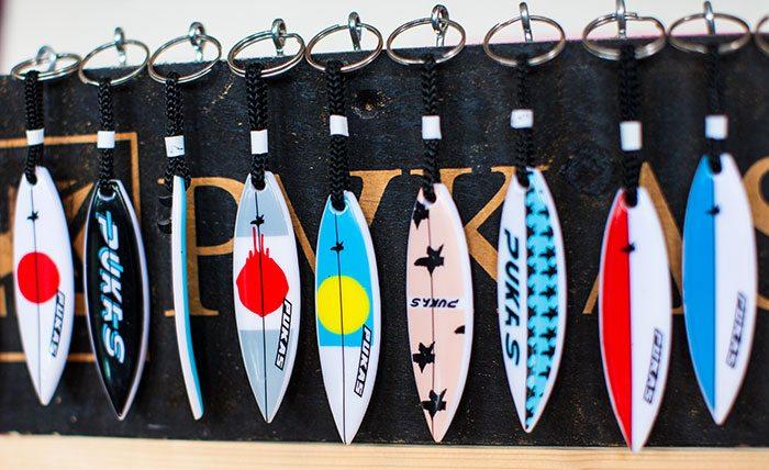А много ли серфинг-школ в Барселоне?