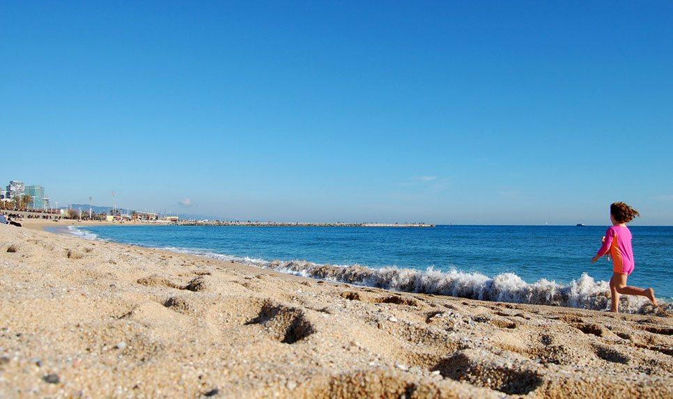 Пляжный отдых в Барселоне - это реально?