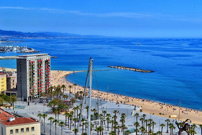 Какое море в Барселоне