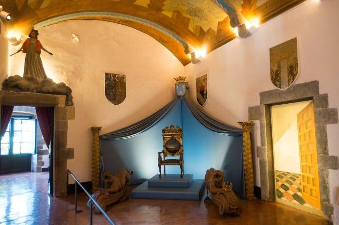 Как работает Замок Дали и Гала в Пуболь