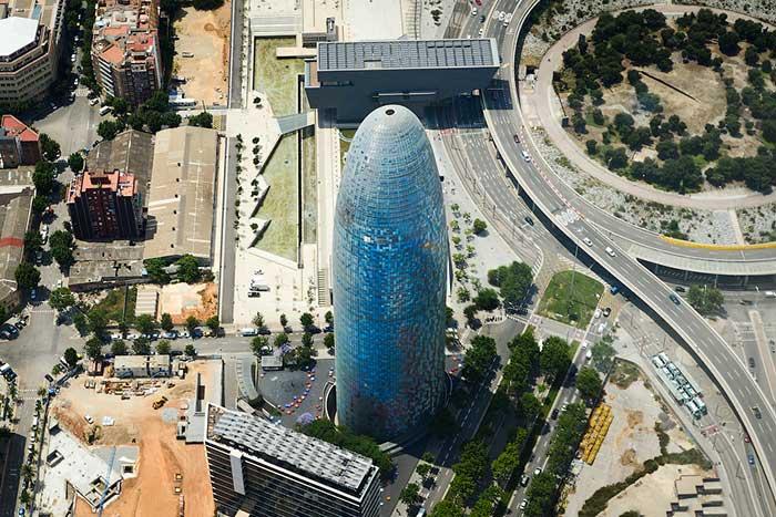 Барселона с высоты птичьего полета: Башня Агбар