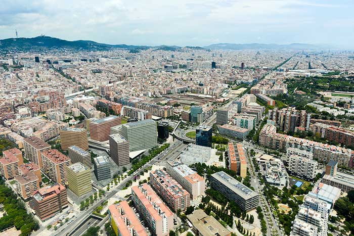 Гран-Виа – одна из самых заметных улиц Барселоны