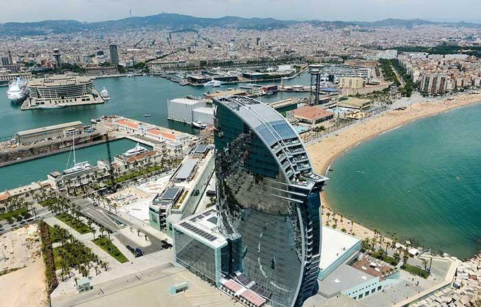 Отель «W Barcelona» с высоты