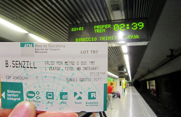 Разовые билеты на автобусы и метро в Барселоне