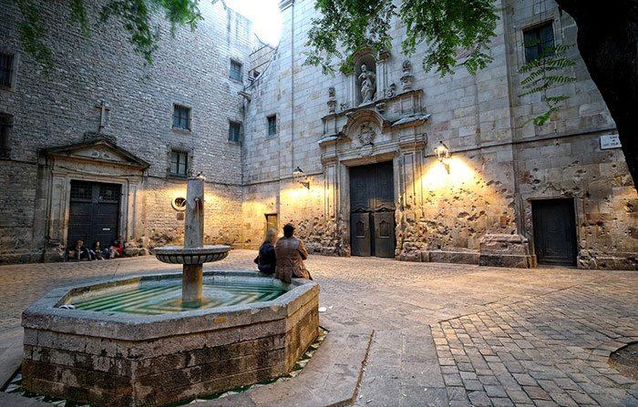 История Площади Святого Филиппа Нери