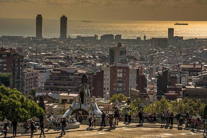 Автор Malgorzata Chomont, Discover Barcelona