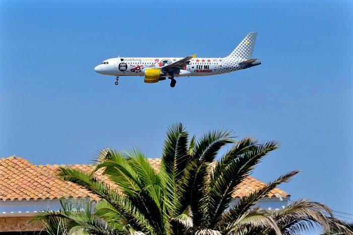 Из Барселоны на Ибицу самолетом