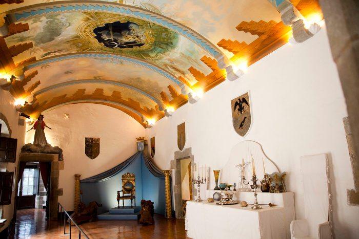 Замок Гала Дали в Пуболи