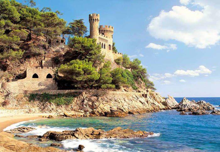 Замок на побережье