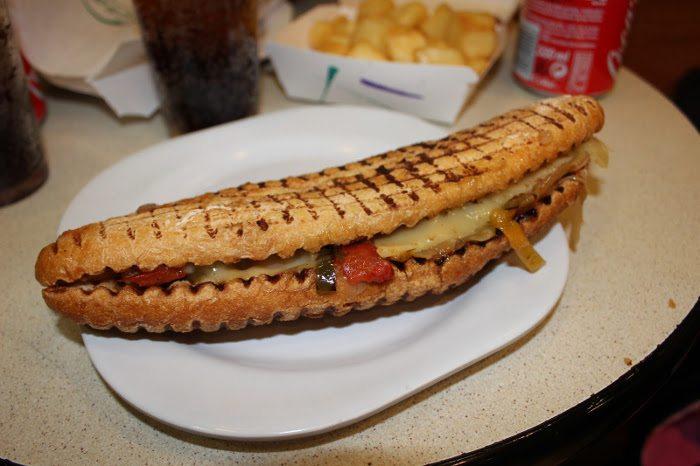 Утренний сэндвич в Conesa Entrepans