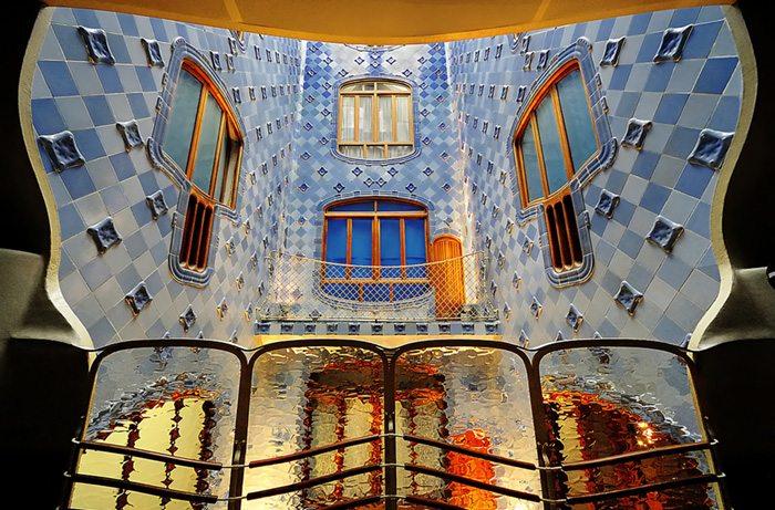 Дом Бальо Архитектура Барселоны
