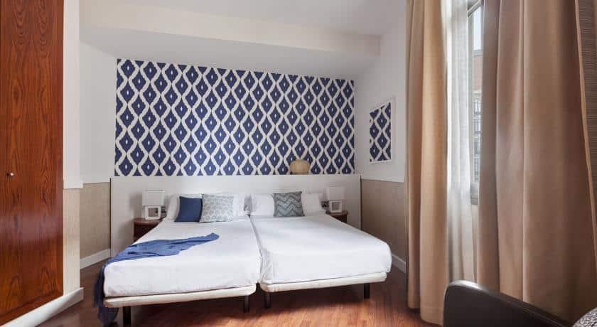 Отель HLG CityPark Pelayo в самом центре Барселоны