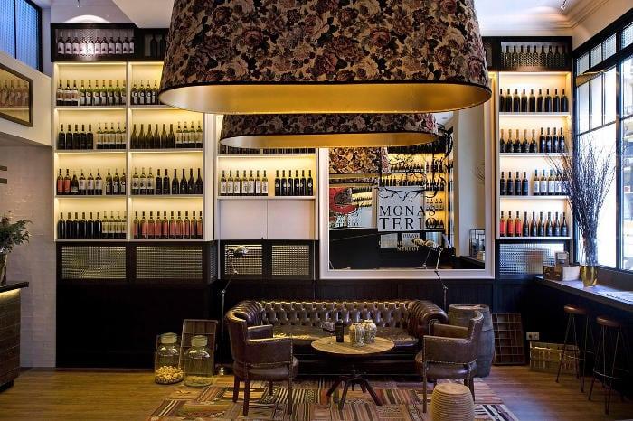 Отличный недорогой отель Praktik Vinoteca