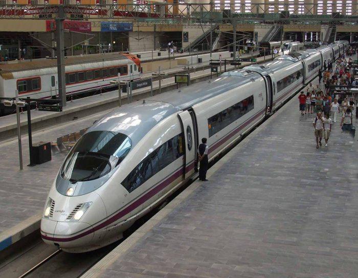 Скоростной поезд Барселона – Мадрид (поезд AVE)