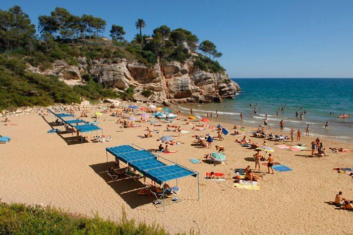 Популярные пляжи Салоу