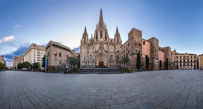 Кафeдрaльный Собор Барселоны