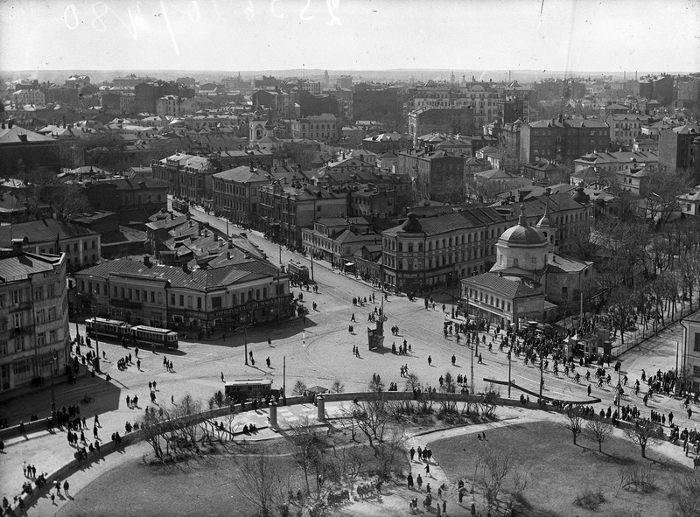 История центральной площади Барселоны