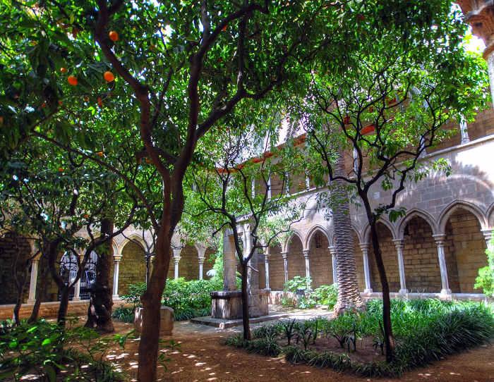 Santa-Anna – готическая церковь