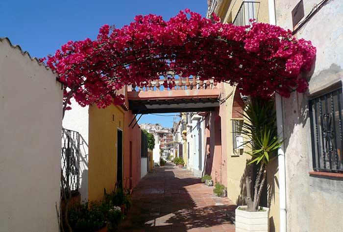 Carrer d'Aiguafreda: переулки из прошлого