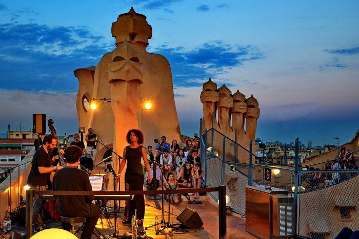Джазовые вечера на крыше дома La Pedrera