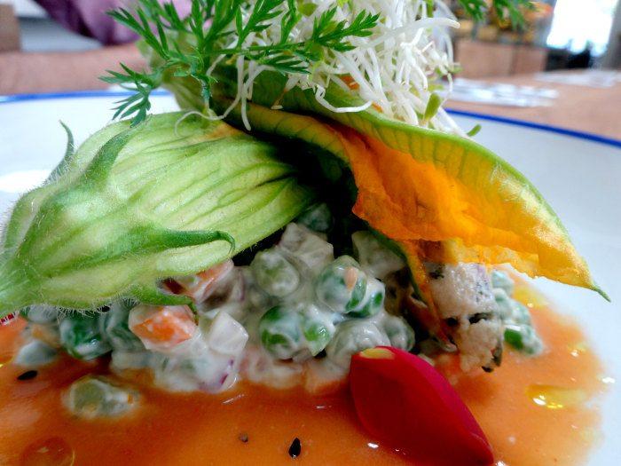 Аппетитный завтрак в Flax & Kale