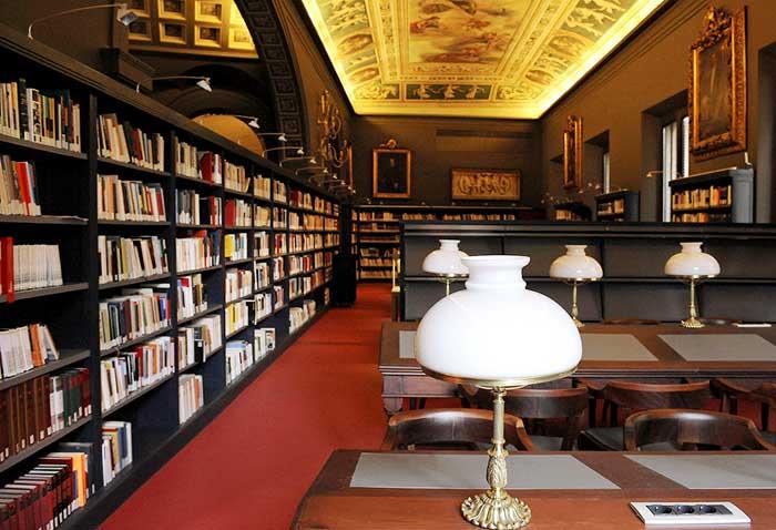 Что представляют собой библиотеки Барселоны