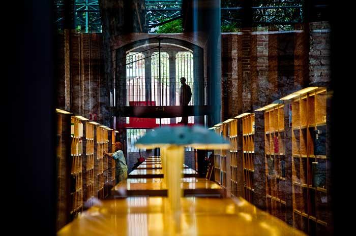 Библиотеки Барселоны