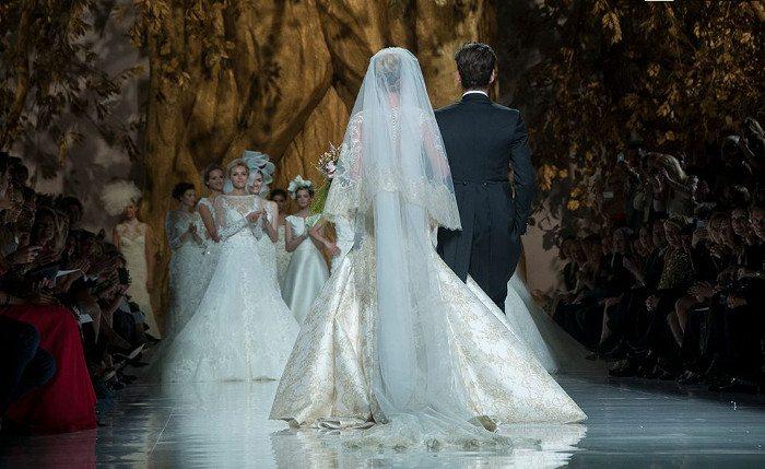 570e51bb400 Свадебные салоны Барселоны  выбор невест со всего мира ...