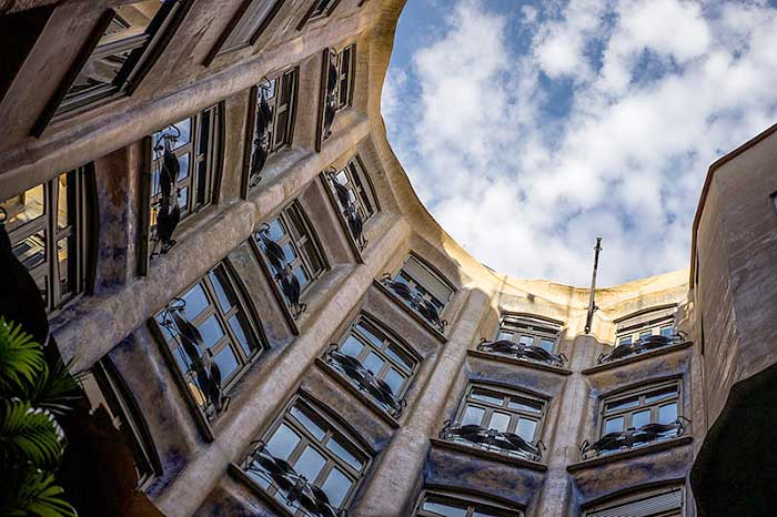 Дом Мила: главный MUST SEE Барселоны