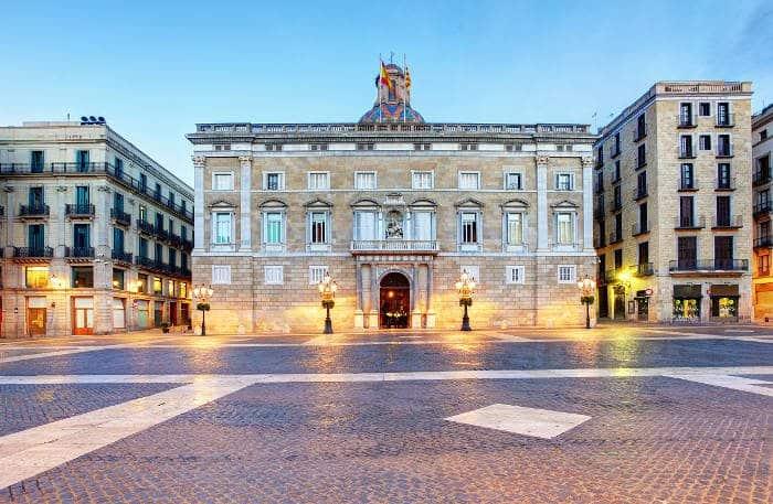 Полезная информация о дворце правительства Каталонии в Барселоне