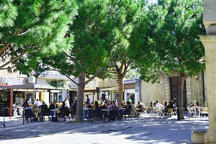 Нарбонские кофейни