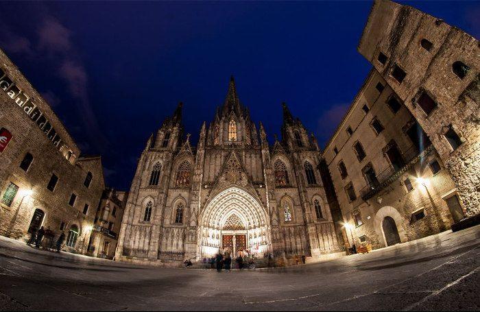 Обзорная экскурсия по Барселоне: В Готическом квартале