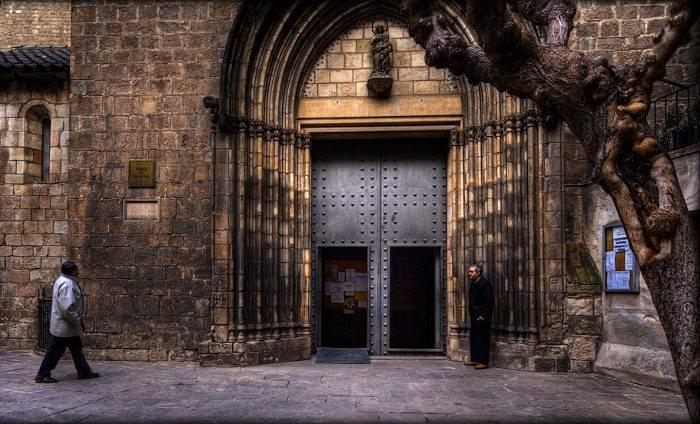 Полезная информация о церкви Святой Анны в Барселоне