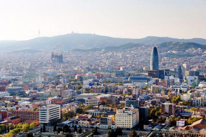 Вертолет в Барселоне: полет над городом
