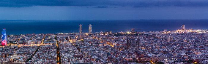 Панорама ночной Барселоны