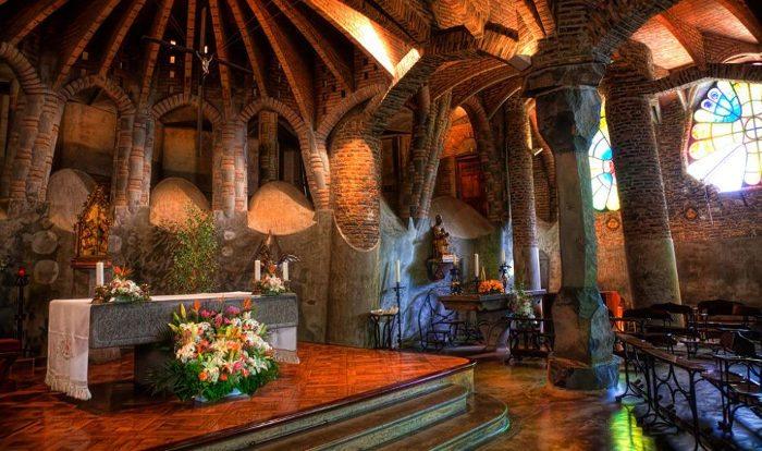 Церковь колонии Гуэль