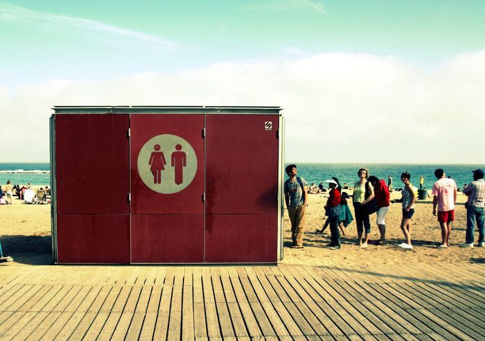 Туалеты в Барселоне на море