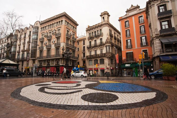 Мозаика Жоан Миро в Барселоне на Ла Рамбла