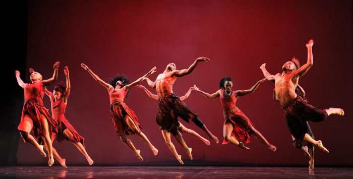 Театр танца в Барселоне: фестиваль Sâlmon