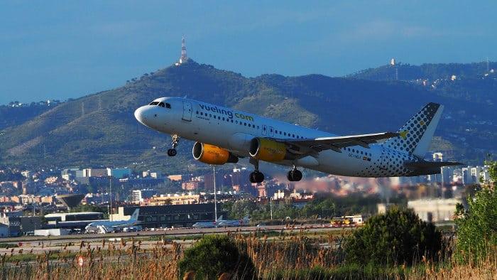 Как добраться до Барселоны на самолете, автобусе, поезде или пароме