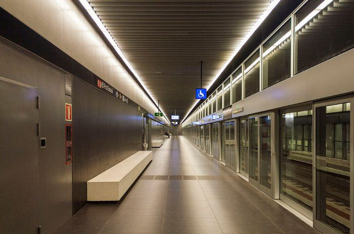 Станция метро в аэропорту